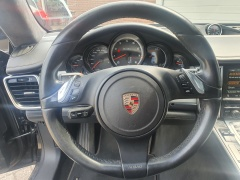 Porsche-Panamera-10