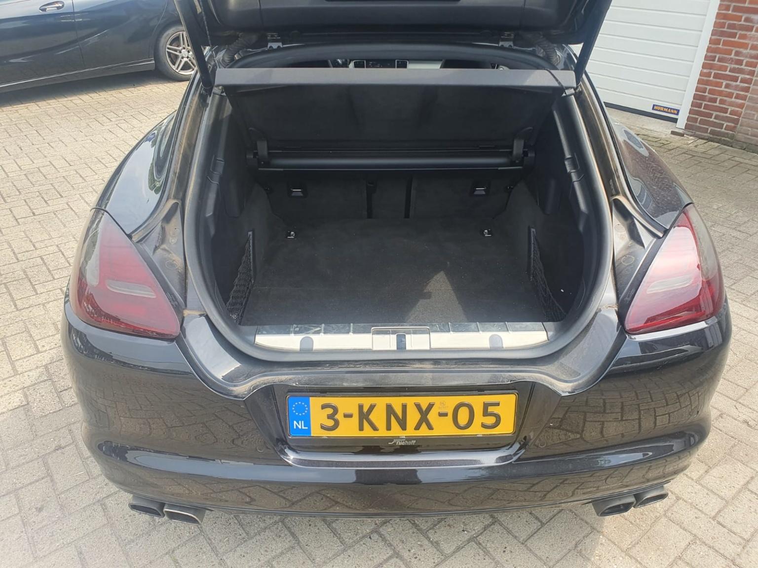 Porsche-Panamera-21