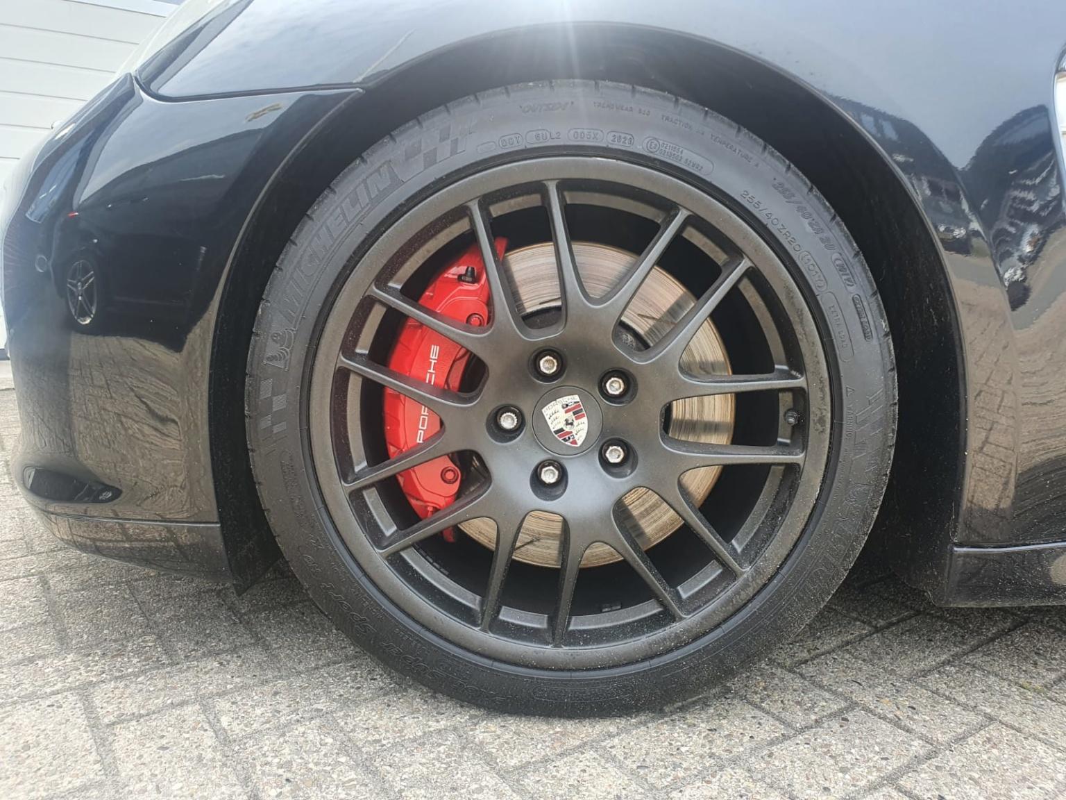 Porsche-Panamera-22